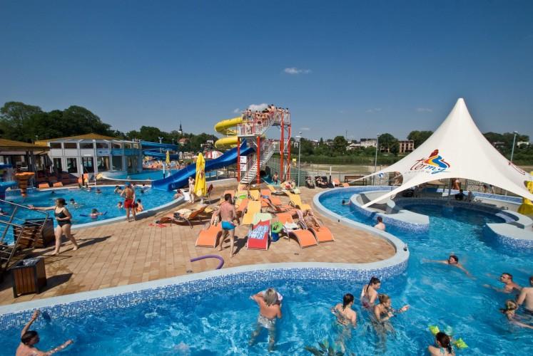 Uniejów Thermal Spa - outdoor swimming pool