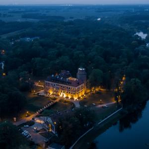 Castle in Uniejów at night